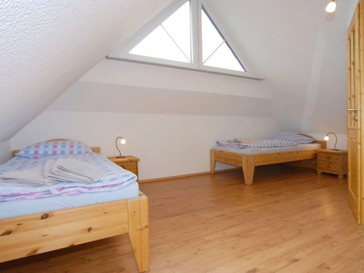 schlafzimmer-dachgeschoss - Zingst24